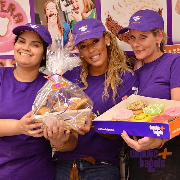Muffin basket met personeel