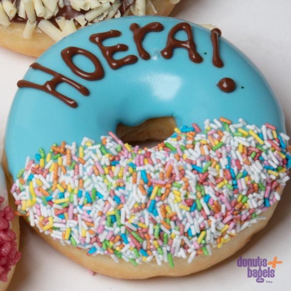Tekst donuts hoera